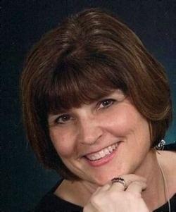 portait of Rev. Cindy Farris